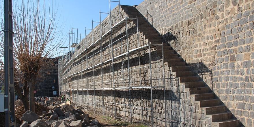 Diyarbakır Surlarındaki restorasyon sürüyor