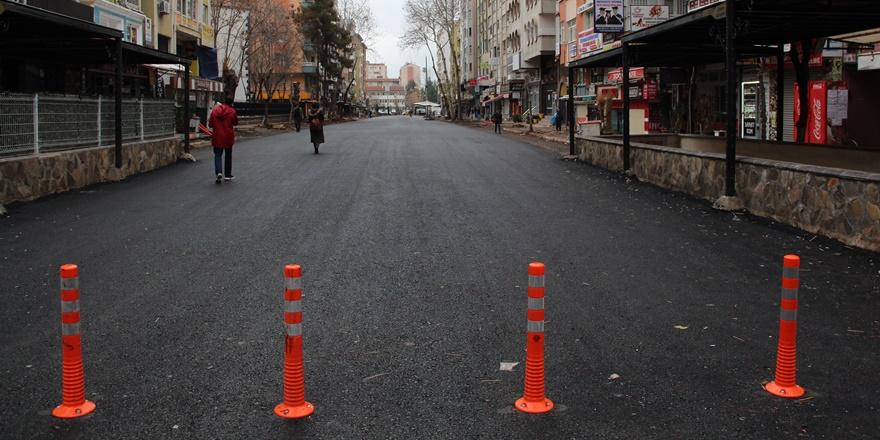 Sanat Sokağı'na asfalt döküldü