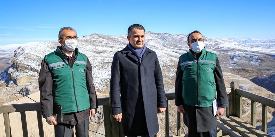 Tarım Bakanı Pakdemirli, Silvan barajında incelemelerde bulundu