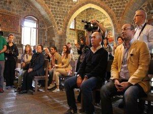 Ferzan Özpetek; Diyarbakır'ın çok farklı bir aurası var. İnsanı kendine çekiyor .