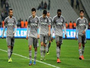 Beşiktaş, Lucescu'ya boyun eğdi