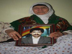 90 yaşındaki anne 24 yıldır oğlunu bekliyor