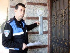 Diyarbakır'da evlere 'burada kim oturuyor' ziyareti!