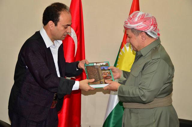 Barzani Diyarbakır'da 'birlik' mesajı verdi