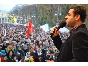'Bir milyon Kürt yasaklanamaz!'