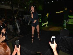 Seksi şarkıcı İnna Diyarbakır'ı salladı