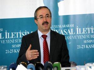 Diyarbakır'da siyasal iletişim demokrasi sempozyumu yapıldı