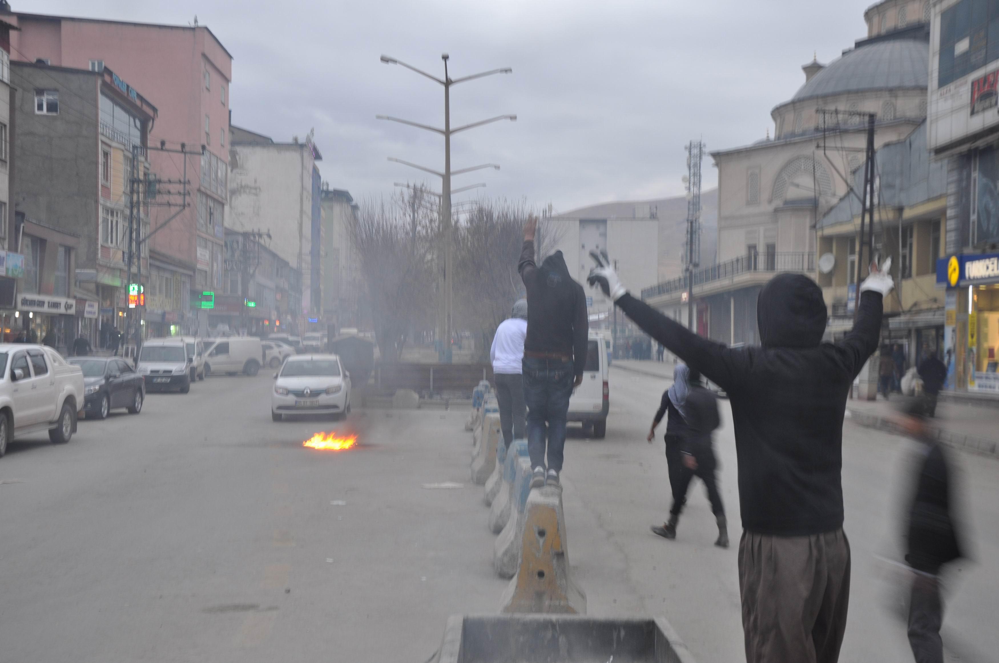 Yüksekova'da olaylar çıktı!