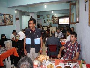 Karlıova'da dul ve yetimlere iftar yemeği