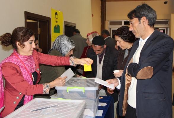 Diyarbakır ve ilçelerinde adaylıklar için ön seçim başladı