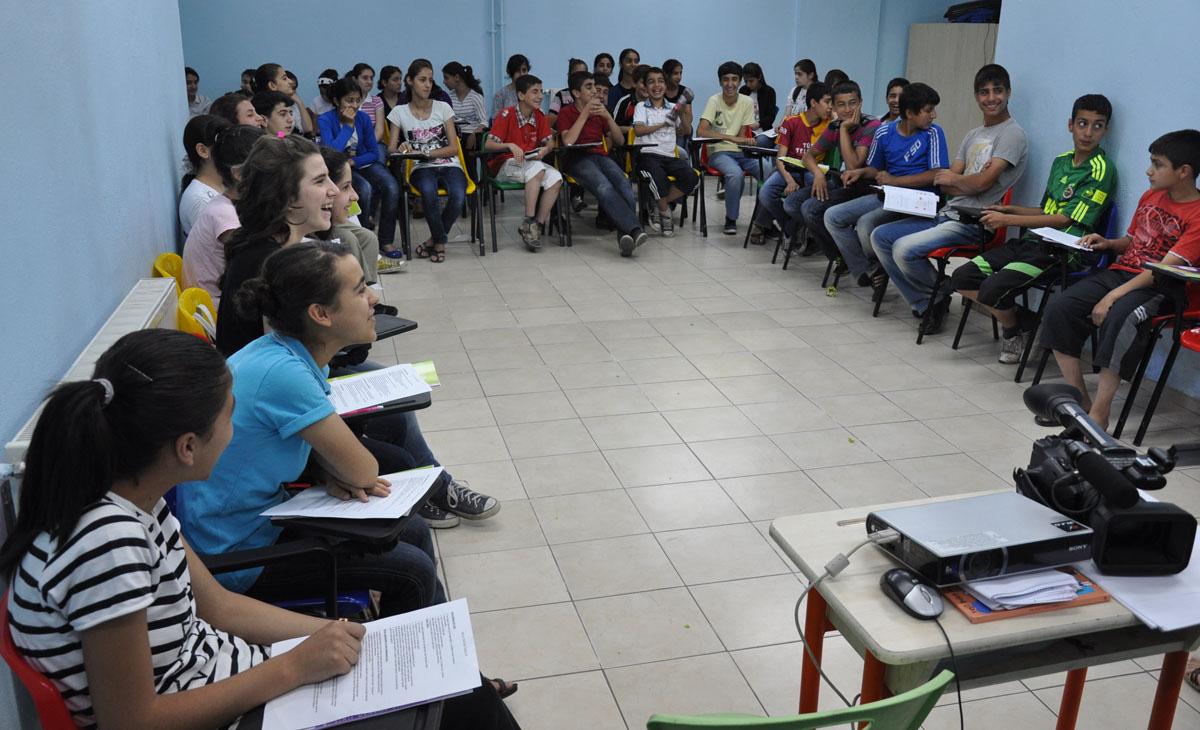 Eğitim Destek Evi'ne Kürtçe eğitim için yüzlerce başvuru