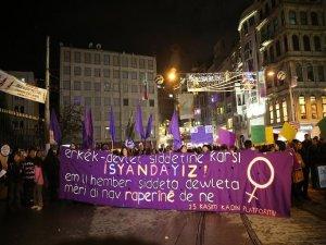 Şiddete karşı 11 merkezde binlerce kadın sokağa çıktı