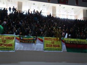 Gençlik Kongresi için binlerce genç Diyarbakır'da toplandı