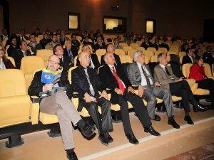 Dicle Üniversitesin'de ''Jinekolojik Onkoloji Çalıştayı ve Sempozyumu'' yapıldı