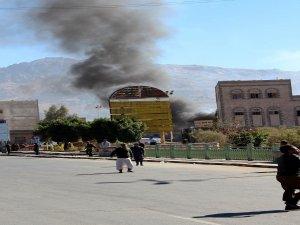 Yemen Savunma Bakanlığı'na saldırı : 25 ölü