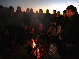 Kobanê sınırında direniş nöbeti sanatçılarda