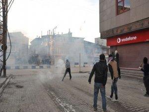 Yüksekova'da polis bir kez daha halkı gazladı