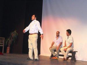TRSM hastalarından tiyatro gösterisi