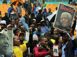 Mandela için büyük cenaze töreni