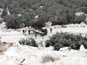Öğretmen servisi uçurumdan uçtu: 1 ölü, 8 yaralı
