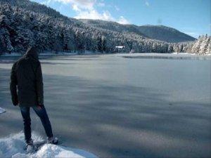 Uzun göl dondu