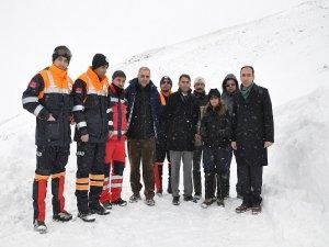 Karlı dağda 7 gün ölüm kalım mücadelesi