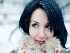 Kışın cildinizi soğuk havadan koruyun