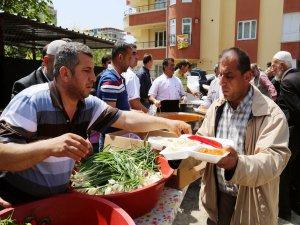 Şanlıurfa'da 5 bin kişiye kurufasulye ve pilav dağıtıldı