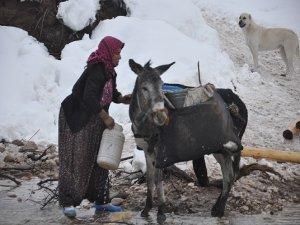 Koçer kadınların kışa direnişi!