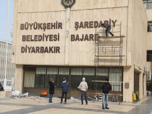 Diyarbakır'a iki dilli tabela