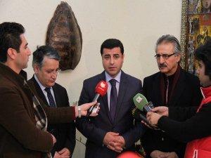 BDP heyeti, YNK ile görüştü