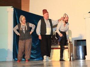 """""""Bizans'tan Kız Alma"""" oyunu Antep'te sahnelendi"""