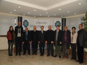 Parlamenterên Kurd hatin Amedê