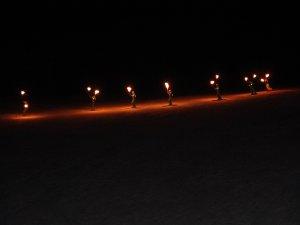 Palandöken'de meşaleli kayak gösterisi nefes kesti
