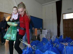 Ekonomik krizde olan Kıbrıslılar çareyi gıda yardımında buluyor