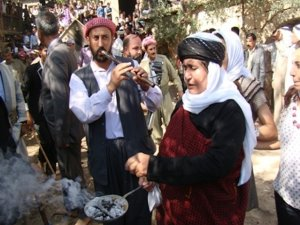 Êzdiyên Kurdistanê cejna xwe pîroz kirin