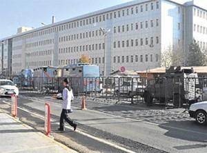 Cizre'de gözaltına alınan 6 kişi Diyarbakır'a getirildi