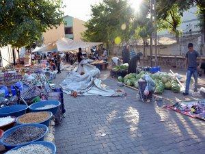 Canlı bomba iddiası nedeniyle pazar yerleri boş kaldı