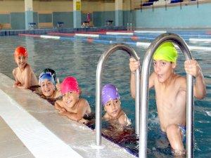 Bitlis'te ücretsiz yüzme kursu