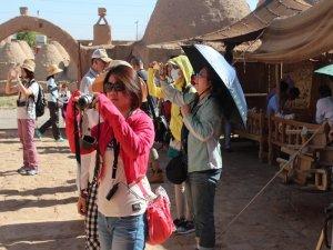 Turistler Çinli zannedilerek saldırıya uğramaktan korkuyorlar