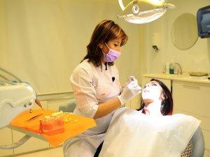 """Diş hekimi Zogun: """"implant yaşlılığa yapılan yatırımdır"""""""