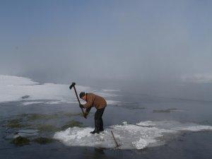 İnsanın buz'la mücadelesi