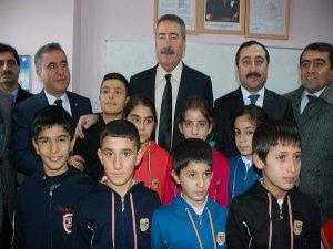 """Diyarbakır valisi Kıraç'tan DEDAŞ'a ; """"vatandaşımızı enerjisiz bırakmayın"""""""