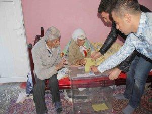 Bu köyde iki kişi oy kullandı