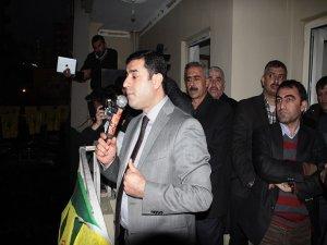 Demirtaş: Kürdistan'ın tüm belediyelerine talibiz