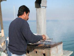 Kaçak ve bilinçsiz avlanma balıkçılığı bitiriyor