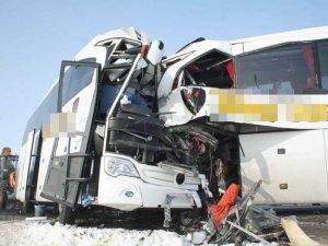 Sis, buz otobüs: 12 ölü, 20 yaralı