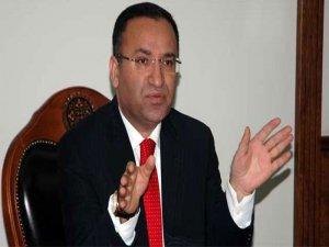 Adalet bakanı Bozdağ,'' Yanlıştan dönmek erdemdir ''