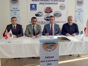 Bitlis'te esnaflar için indirimli araç sözleşmesi