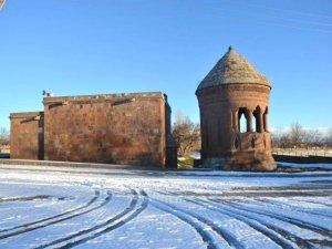 Xelat'ın tarihi zenginliği ziyaretçilerini bekliyor